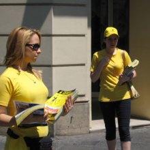 deljenje-knjige-yellow-pages-u-knez-mihailovoj-2008